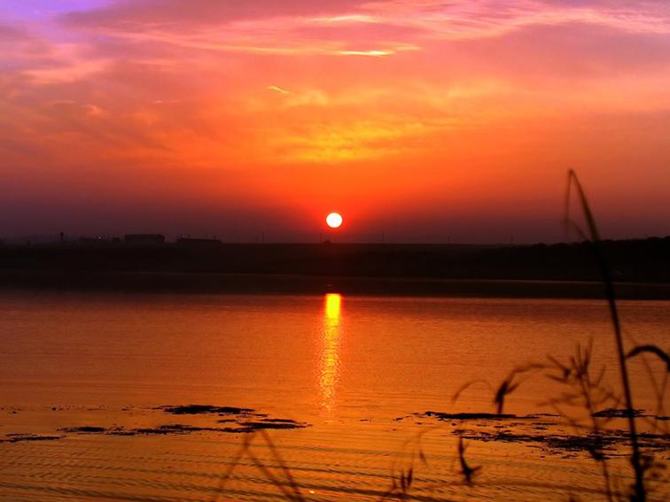 http://images.sevstar.net/images/75759525002089152668.jpg