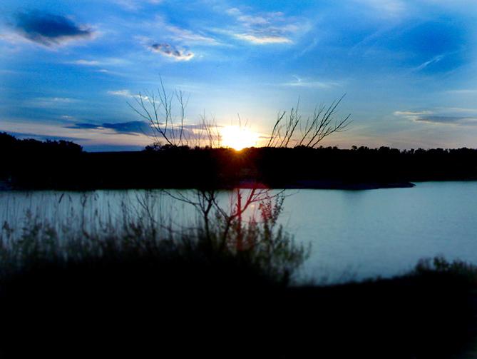 http://images.sevstar.net/images/81683587653478616964.jpg